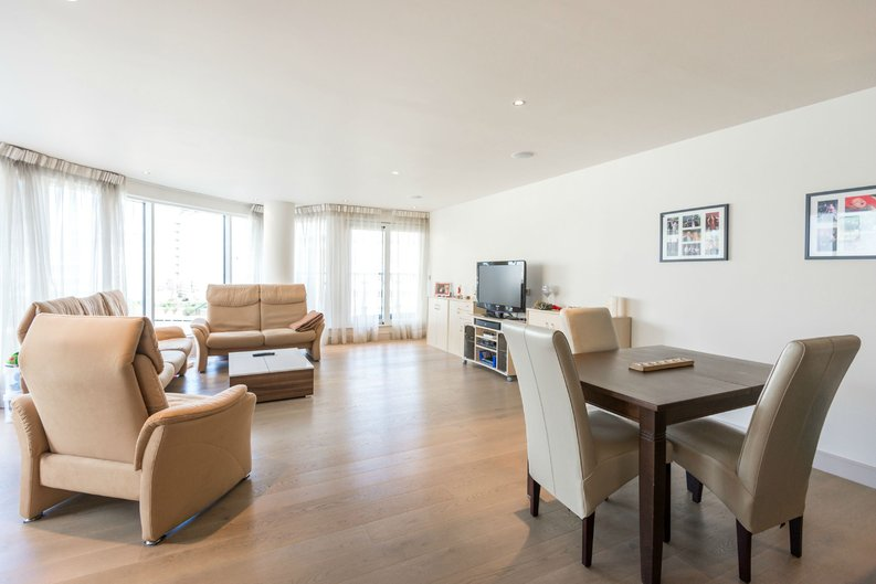 2 bedroom(s) apartment to sale in Octavia House, Imperial Wharf, Townmead Road-image 3