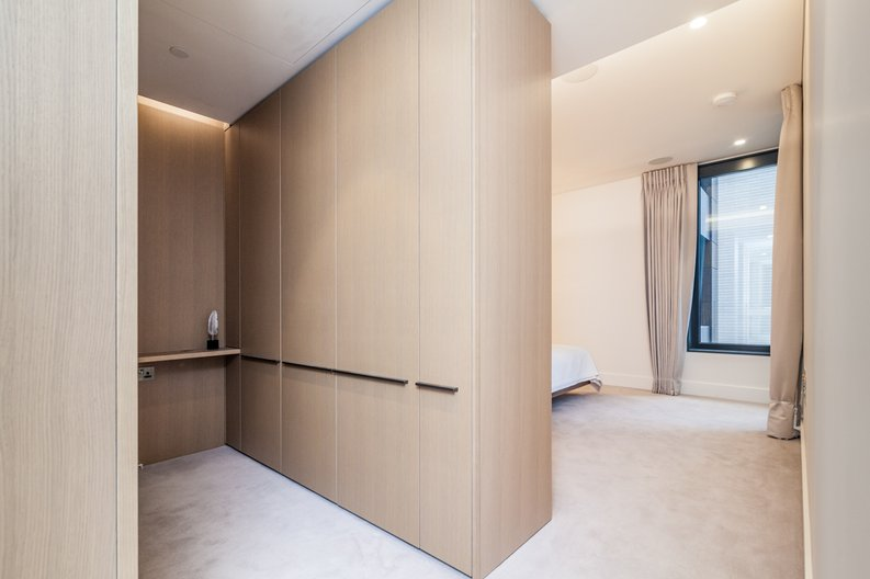 3 bedroom(s) apartment to sale in Rathbone Place, Fitzrovia-image 9