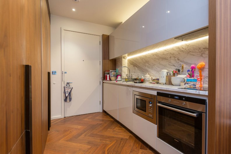 1 bedroom(s) apartment to sale in Ambassador Building, 5 New Union Square, London-image 5