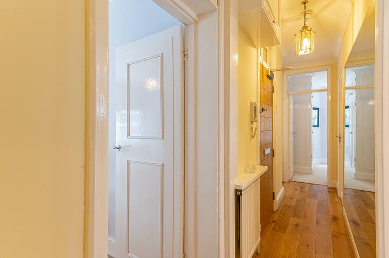 3 bedroom(s) apartment to sale in Walton Street, Kensington/Chelsea, London-image 13