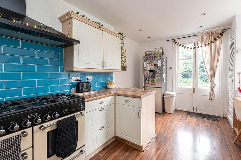 5 bedroom(s) house to sale in Endsleigh Road, West Ealing-image 4