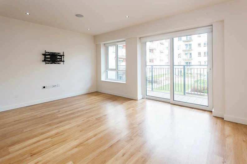 2 bedroom(s) apartment to sale in East Drive, Colindale, London-image 6