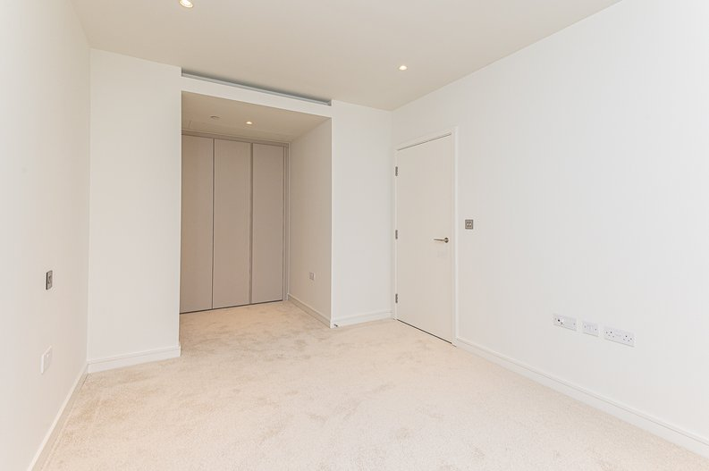 1 bedroom(s) to sale in Hampton Tower, South Quay Plaza, Marsh Wall, Canary Wharf-image 8