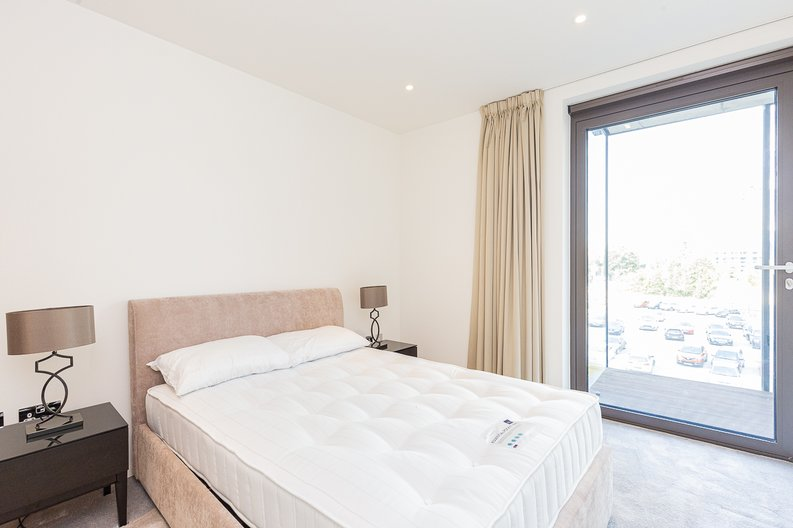 1 bedroom(s) apartment to sale in Ambassador Building, New Union Square, Nine Elms-image 5