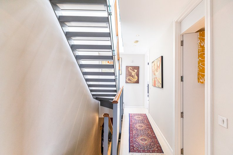 3 bedroom(s) apartment to sale in Cromwell Road, South Kensington, London-image 39