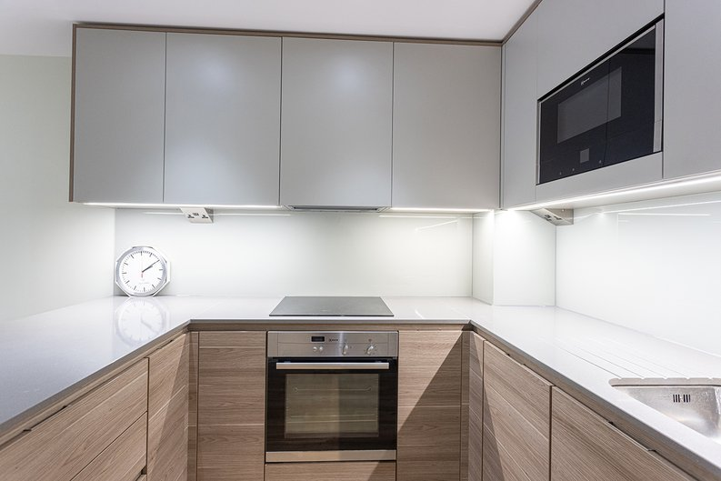 2 bedroom(s) apartment to sale in Aerodrome Road, Colindale, London-image 7