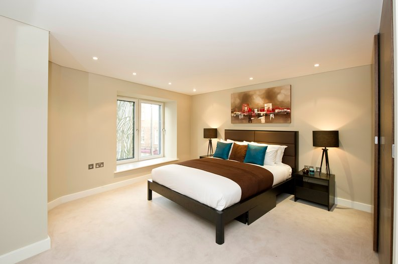 1 bedroom(s) apartment to sale in Kensington Church Street, London-image 3