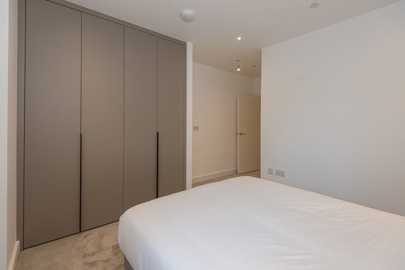 2 bedroom(s) apartment to sale in The Avenue, Brondesbury Park, London-image 11