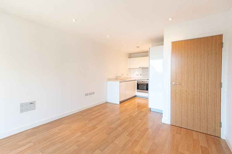 1 bedroom(s) apartment to sale in Goodchild Road, Woodbury Down, London-image 1