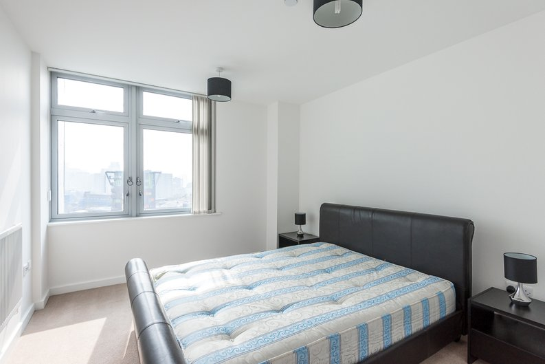 1 bedroom(s) apartment to sale in Iona Tower, 33 Ross Way, Limehouse-image 4