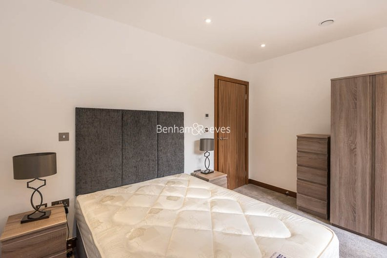 2 bedroom(s) apartment to sale in Beaufort Court, Maygrove Road, West Hampstead, London-image 6