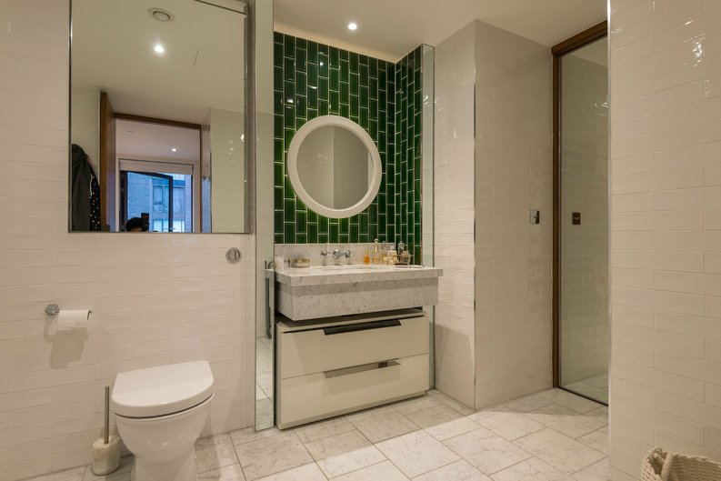 1 bedroom(s) apartment to sale in Ambassador Building, 5 New Union Square, London-image 4