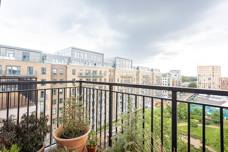 1 bedroom(s) apartment to sale in Beaufort Square, Colindale, London-image 11