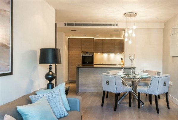 2 bedroom(s) apartment to sale in Doulton House, Chelsea Creek, Park Street, Fulham-image 7