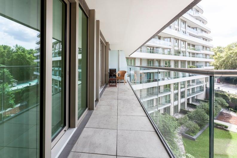 2 bedroom(s) apartment to sale in Cascade Court, Vista Chelsea Bridge, Battersea-image 5