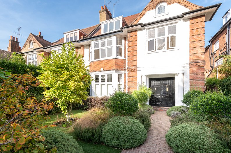 2 bedroom(s) apartment to sale in Hollycroft Avenue, Hampstead, London-image 18