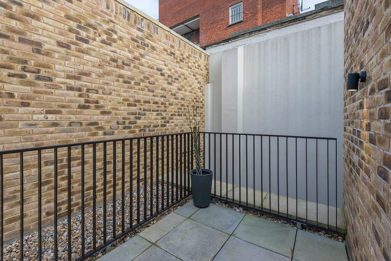 3 bedroom(s) house to sale in Hand Axe Yard, Kings Cross, London-image 19