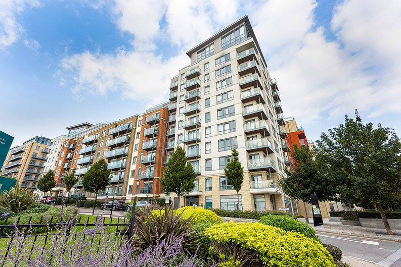 Studio apartment to sale in East Drive, Colindale, London-image 19