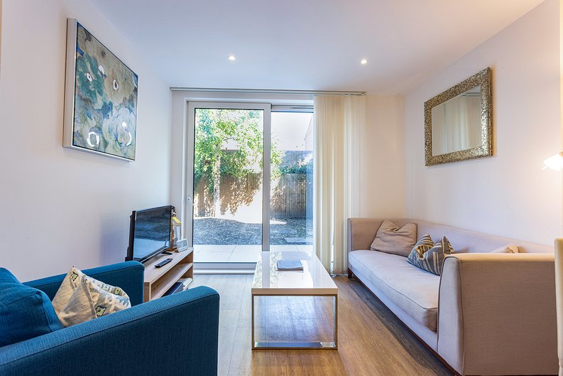 1 bedroom(s) apartment to sale in Ashton Reach, Surrey Quays, London-image 1