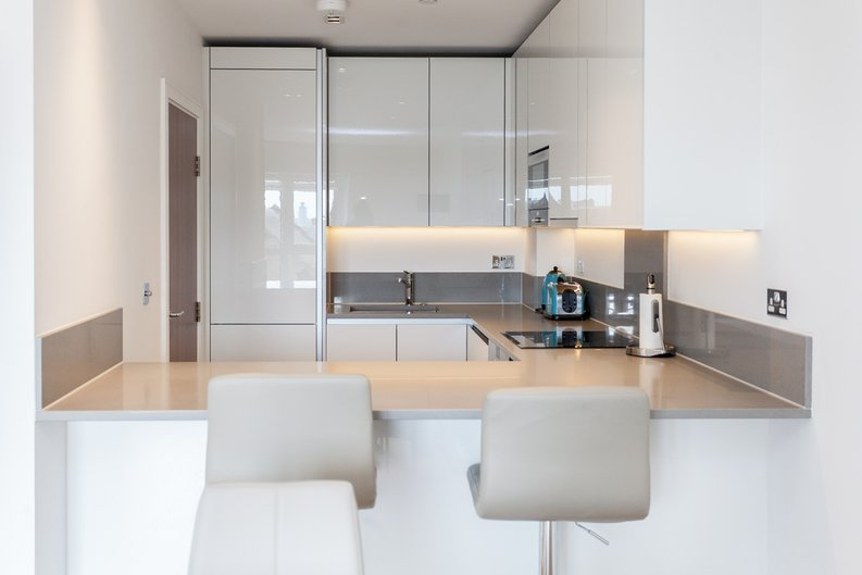 2 bedroom(s) apartment to sale in Skyline House, Dickens Yard, Longfield Avenue , London-image 2