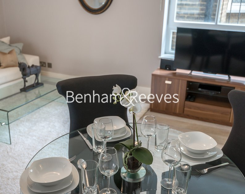 1 bedroom(s) apartment to sale in Clarges Mews, London-image 9