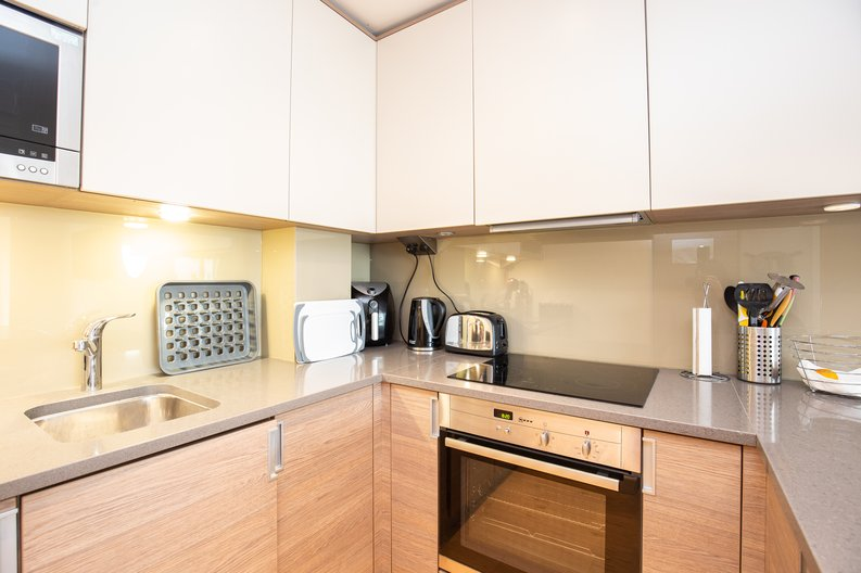 1 bedroom(s) apartment to sale in Croft House, 21 Heritage Avenue, Beaufort Park , Colindale-image 4