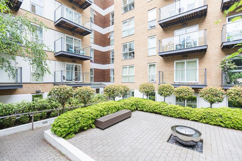 1 bedroom(s) apartment to sale in Bromyard Avenue, Napier West, London-image 18