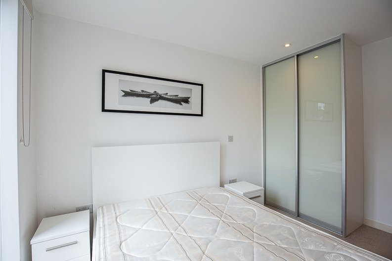 1 bedroom(s) apartment to sale in Riverside Apartments, , Goodchild Road, London-image 9
