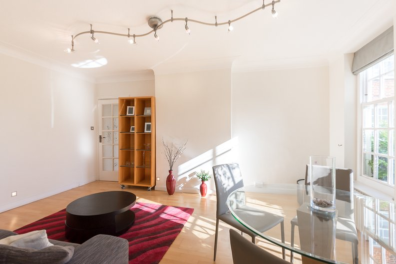 1 bedroom(s) apartment to sale in Greenhill, Prince Arthur Road, Hampstead, London-image 7