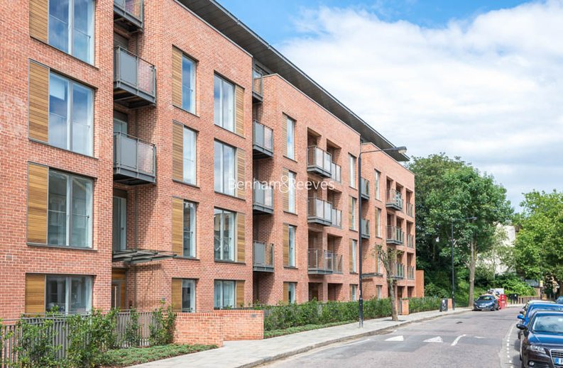 2 bedroom(s) apartment to sale in Beaufort Court, Maygrove Road, West Hampstead, London-image 9