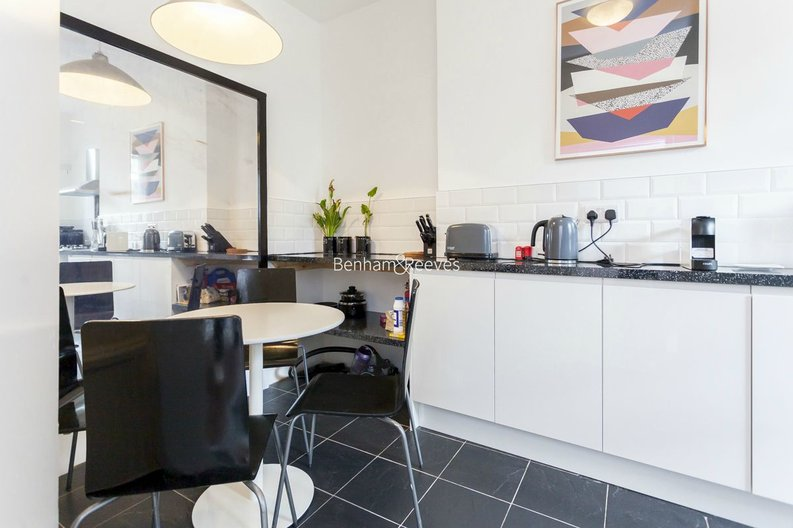 3 bedroom(s) house to sale in Endell Street, Covent Garden, London-image 6
