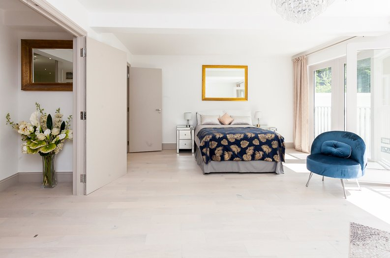 3 bedroom(s) apartment to sale in Montpelier Road, Ealing-image 12