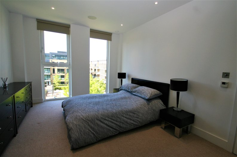 2 bedroom(s) apartment to sale in Westbourne Apartments, 5 Central Avenue, Fulham , London-image 5