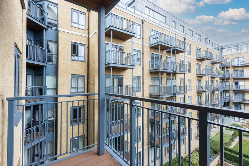 2 bedroom(s) apartment to sale in Aerodrome Road, Colindale, London-image 14