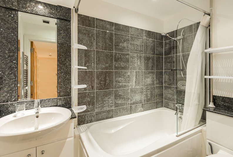2 bedroom(s) apartment to sale in Regency House, The Boulevard, Imperial Wharf, Fulham-image 6