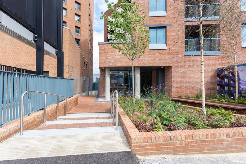 2 bedroom(s) apartment to sale in Gillender Street, Bow Creek-image 6