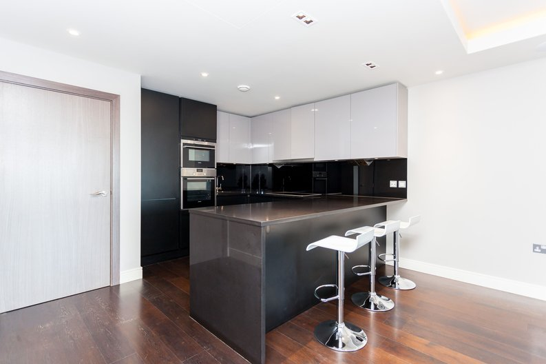 2 bedroom(s) apartment to sale in Brunswick House, Fulham Reach, Hammersmith-image 5