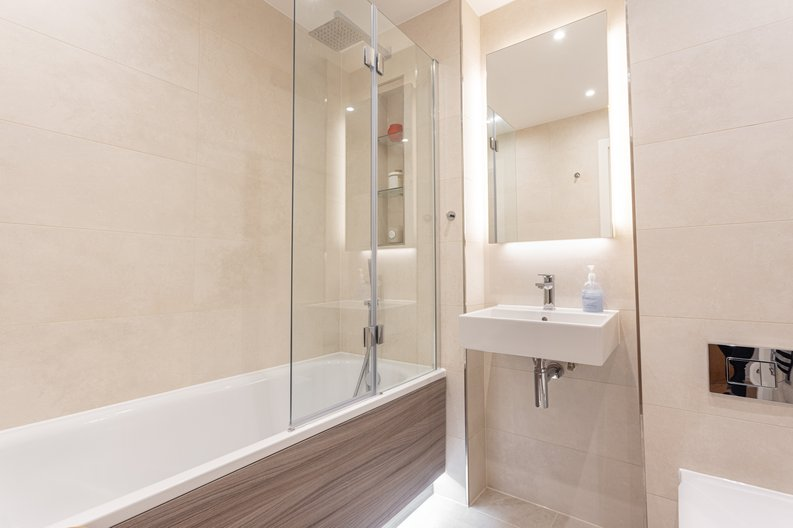 2 bedroom(s) apartment to sale in Colindale Gardens, London-image 13