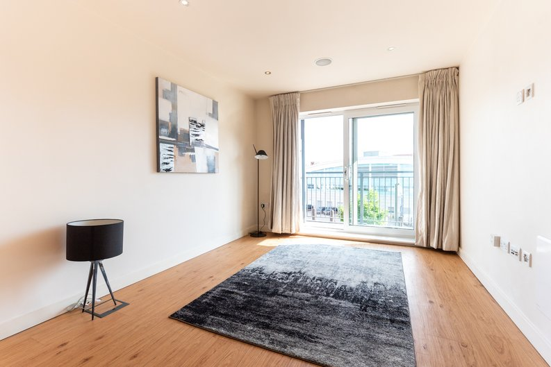 1 bedroom(s) apartment to sale in Heritage Avenue, Colindale, London-image 1