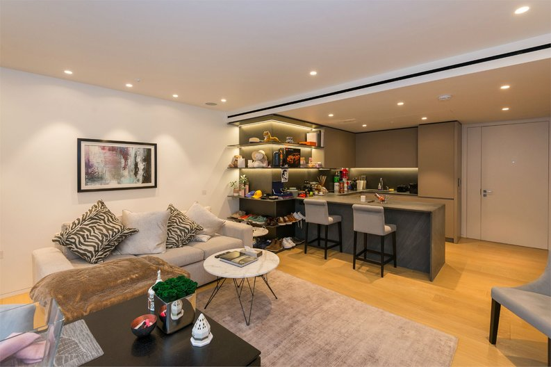 2 bedroom(s) apartment to sale in Nova Building, 87 Buckingham Palace Road, Victoria-image 3