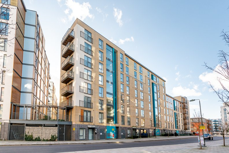 1 bedroom(s) apartment to sale in Crawford Court, Charcot Road, Colindale-image 1