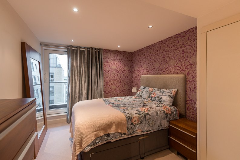 2 bedroom(s) apartment to sale in Regal House, Lensbury Avenue, Fulham-image 6