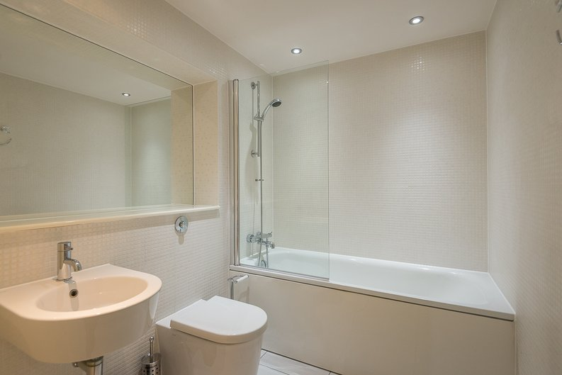 1 bedroom(s) apartment to sale in Cobalt Point, Millharbour, Canary Wharf, London-image 4