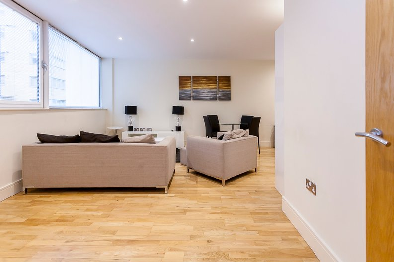 2 bedroom(s) apartment to sale in Denison House, Lanterns Court, Canary Wharf-image 2