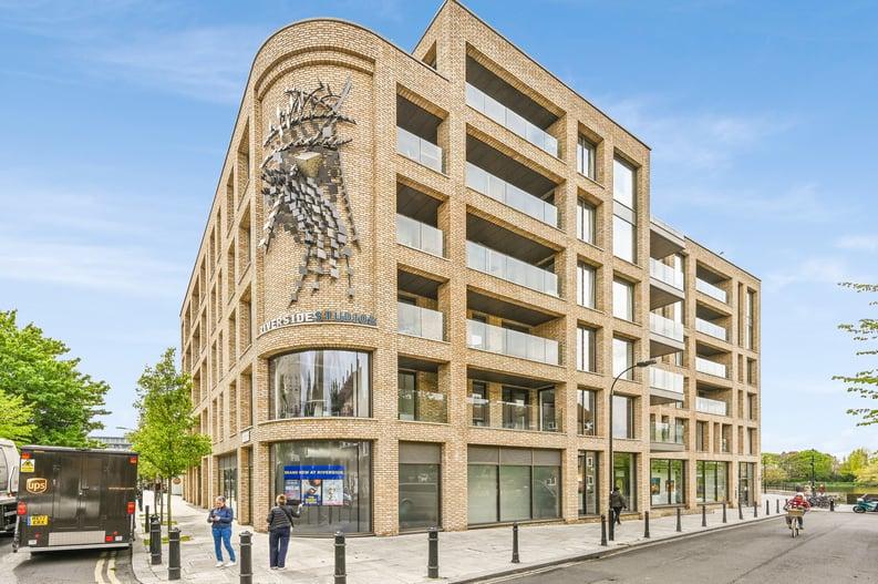 2 bedroom(s) apartment to sale in Queens Wharf, 2 Crisp Road, Hammersmith-image 11