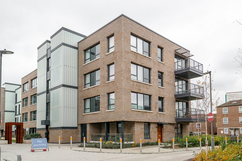 1 bedroom(s) apartment to sale in Aurora Point, 2 Winchester Square , Lewisham-image 1