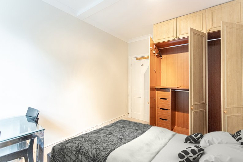 2 bedroom(s) apartment to sale in Mall Chambers, Kensington Mall, Notting Hill-image 14