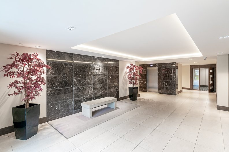 1 bedroom(s) apartment to sale in Goldhawk House, 10 Beaufort Square, London-image 1