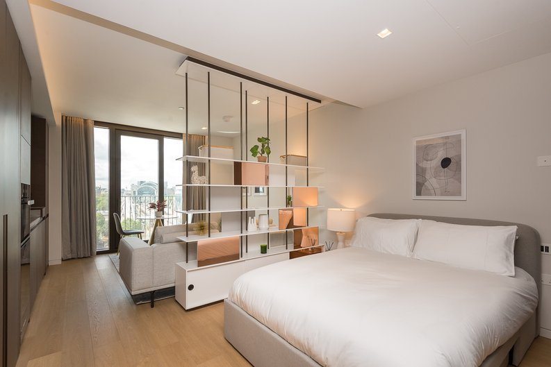 1 bedroom(s) apartment to sale in Casson Square, Southbank Place, Waterloo, London-image 4