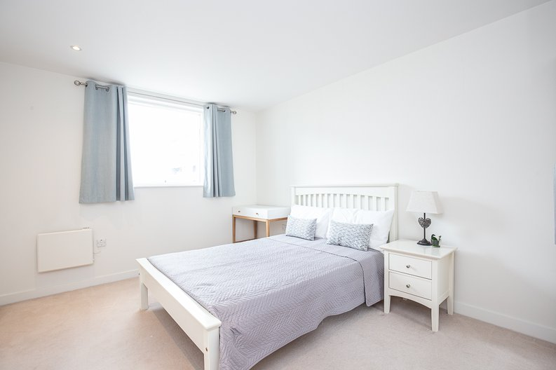 1 bedroom(s) apartment to sale in Bridgeman House, Pump House Crescent, Brentford-image 6